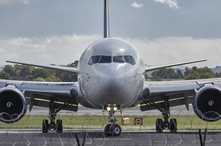 Putnički avioni su beli...